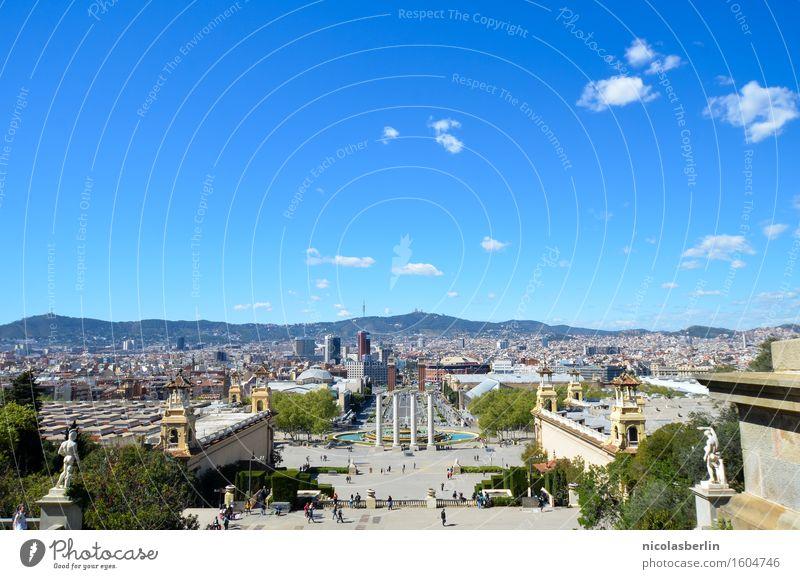 Barcelona I Himmel Ferien & Urlaub & Reisen Sommer Stadt Erholung Freude Ferne Architektur Freiheit Tourismus Freizeit & Hobby Ausflug Erfolg Platz groß