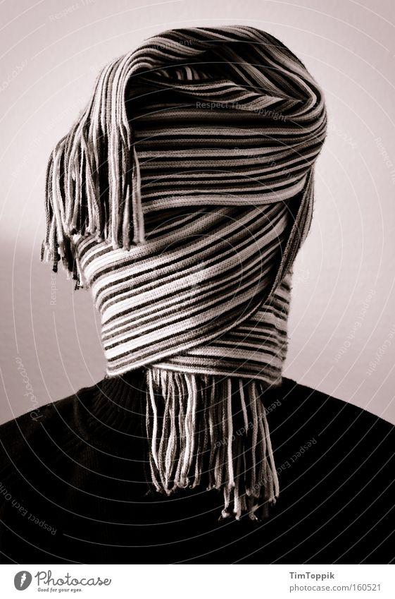 Meine neue Frisur Mann Haare & Frisuren Schwarzweißfoto geheimnisvoll Porträt anonym Schal blind verborgen vermummen vermummt unerkannt verhüllen kaschieren unkenntlich