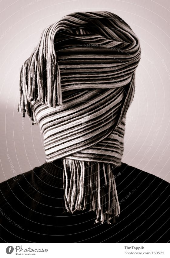 Meine neue Frisur Porträt kaschieren verhüllen vermummen vermummt Schal anonym unkenntlich geheimnisvoll verborgen unerkannt blind Haare & Frisuren Mann