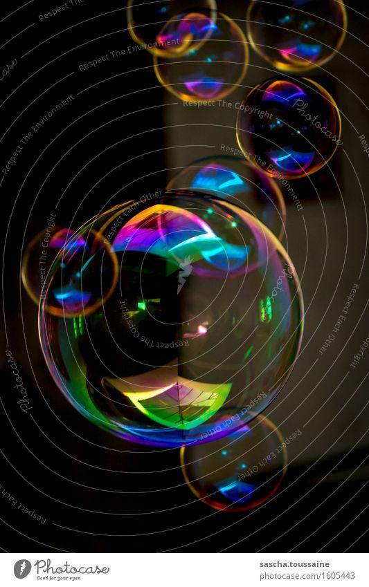 Blubberblasen blau grün Freude gelb Spielen Feste & Feiern Party fliegen Stimmung rosa orange glänzend leuchten Vergänglichkeit kaputt violett
