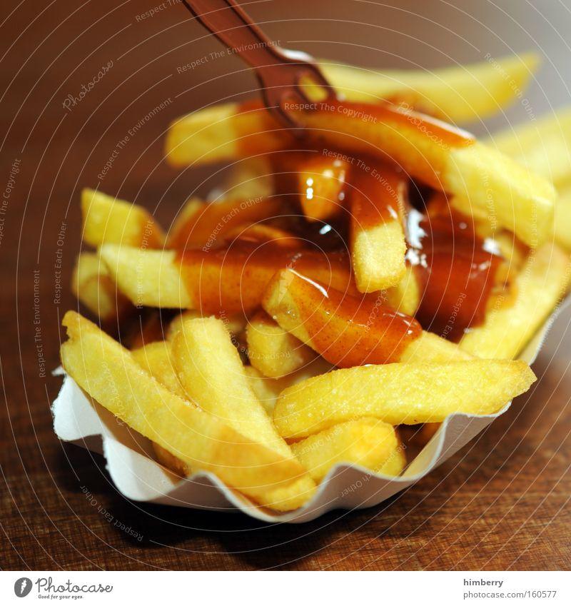 fast finger food Essen Lebensmittel Ernährung Appetit & Hunger Fett Mahlzeit Fastfood Kartoffelgerichte Snack Imbiss Kalorie Pommes frites Ketchup Kalorienreich