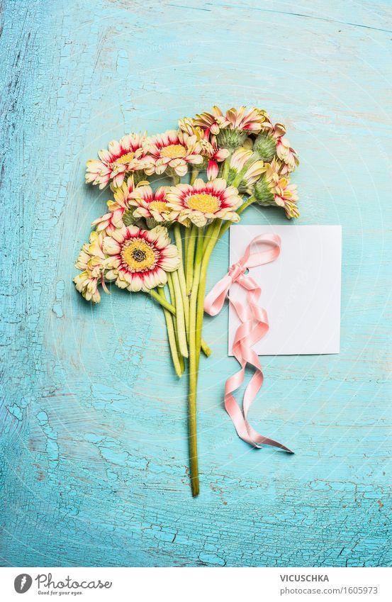 Blumenstrauß und weiße leere Karte mit Schleife Pflanze Blatt Liebe Blüte Stil Feste & Feiern rosa Design Häusliches Leben Textfreiraum elegant