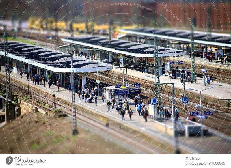 ut köln | bahnsteig düx Mensch Ferien & Urlaub & Reisen Stadt Tourismus warten Eisenbahn Eile Stress Menschenmenge Bahnhof Feierabend Tilt-Shift Verkehrsmittel