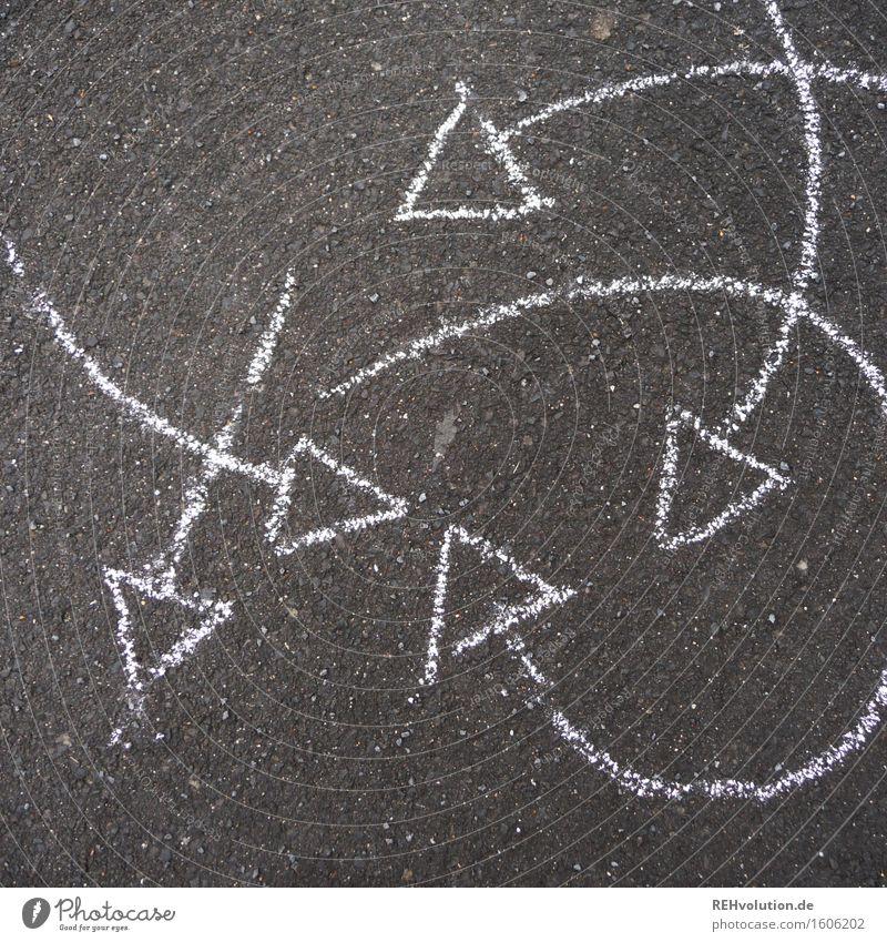 durcheinander Bewegung Linie rund Asphalt Pfeil gemalt Pfeile Dynamik drehen durcheinander Zeichnung Kreide
