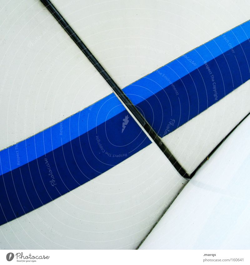 Rennstreifen Farbfoto Außenaufnahme Strukturen & Formen Textfreiraum oben Textfreiraum unten Lack Metall Linie Streifen elegant Sauberkeit blau weiß Optimismus