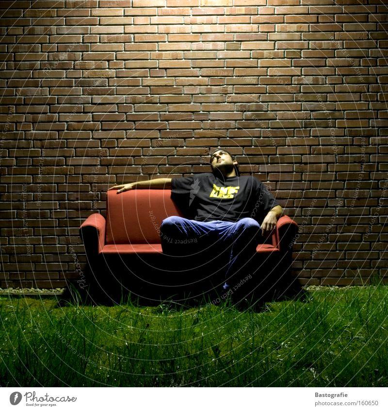 mein Freichlichtkino Sofa sitzen Wohnzimmer Wohnung Langzeitbelichtung Langeweile Erholung Möbel Platz Natur träumen Freiheit Außenaufnahme Kino Sitzgelegenheit