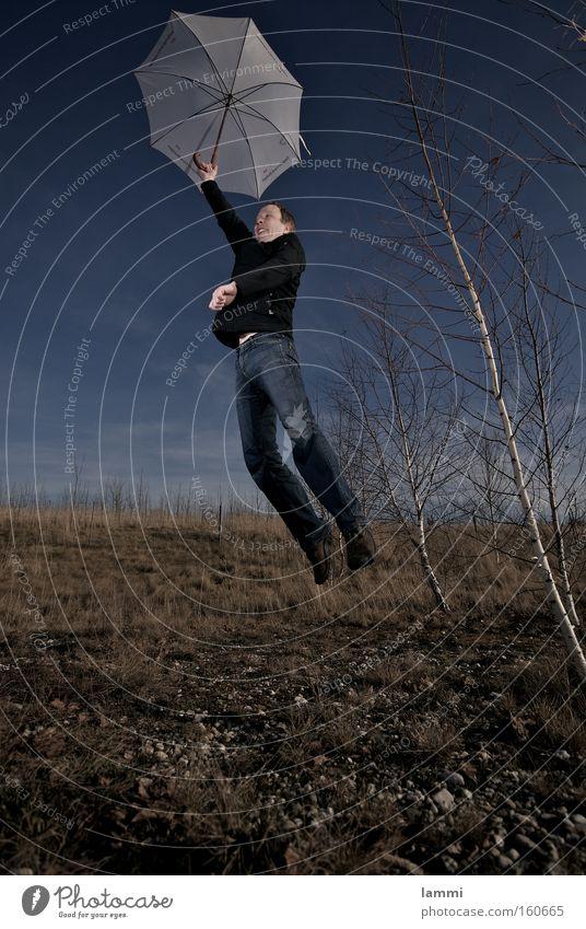 weiche Landung Himmel blau Wiese braun weiß Mann springen Absturz Spielen Regenschirm