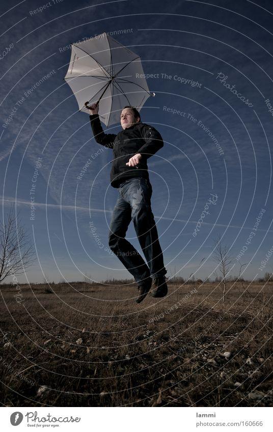 weiche Landung II Himmel Mann blau weiß Wiese Spielen springen braun Regenschirm Absturz