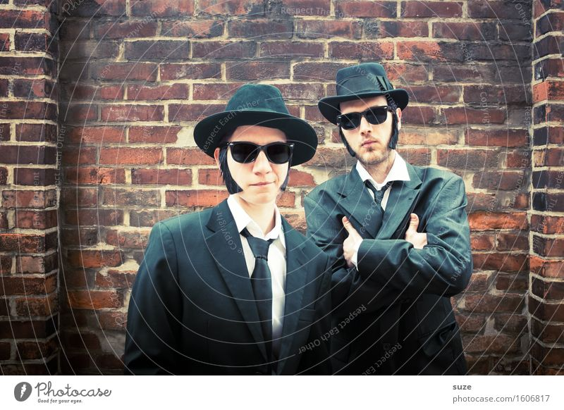 Remix | The Black Berries Musik Karneval Team Mensch maskulin Mann Erwachsene Freundschaft Paar Schauspieler Kino Filmindustrie Video Sonnenbrille Hut