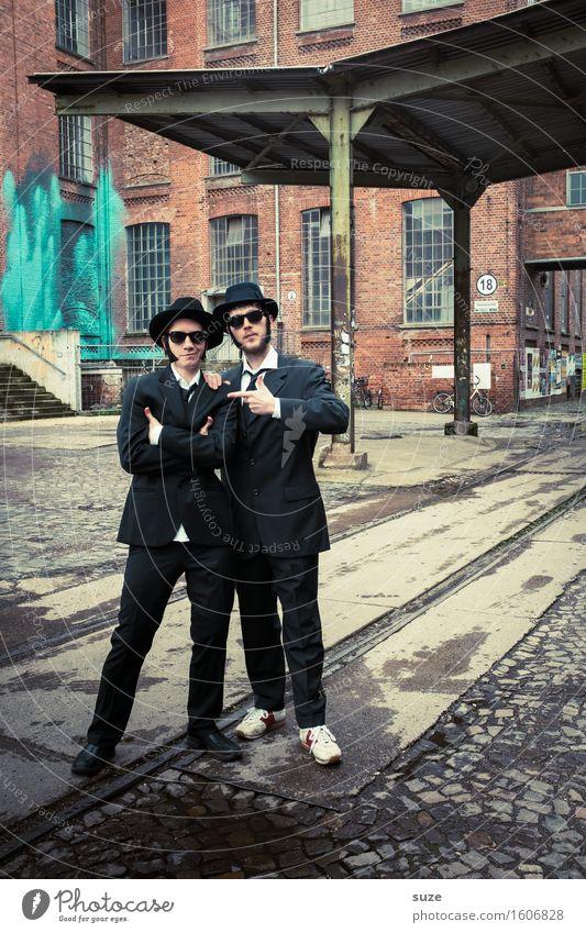 Remix | The Blackjacker Musik Karneval Team Mensch maskulin Mann Erwachsene Freundschaft Paar Schauspieler Kino Filmindustrie Video Sonnenbrille Hut Bekanntheit