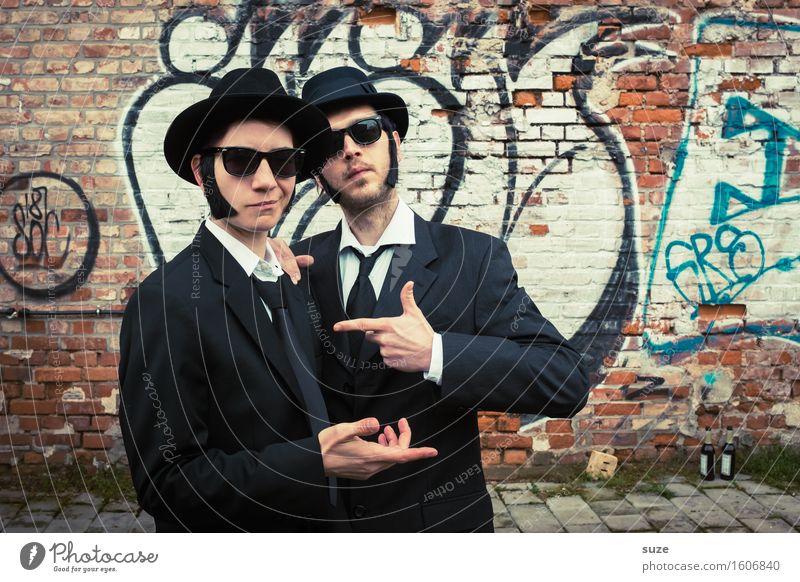 Remix | The Black Outer Musik Karneval Team Mensch maskulin Mann Erwachsene Freundschaft Paar Schauspieler Kino Filmindustrie Video Sonnenbrille Hut Bekanntheit