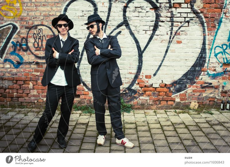 Remix | Blues Brothers Mensch Mann Erwachsene lustig Paar Freundschaft maskulin Musik verrückt retro Coolness Team Karneval Hut Filmindustrie trashig