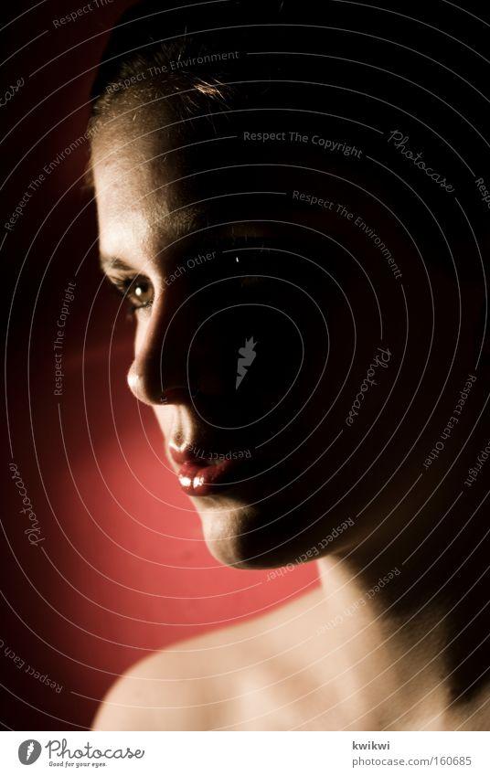 schattenwelten / #99 schön Gesicht Frau Erwachsene ästhetisch Trauer Verzweiflung face Licht Schatten Porträt Blick