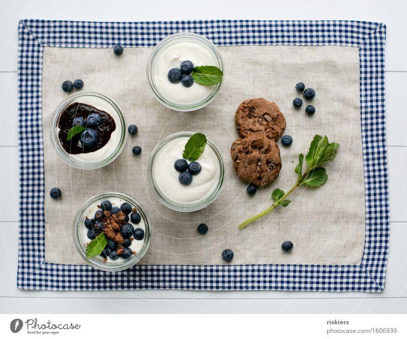 Blaubeer Dessert im Glas natürlich Gesundheit Frucht frisch lecker Süßwaren Vegetarische Ernährung Blaubeeren Minze