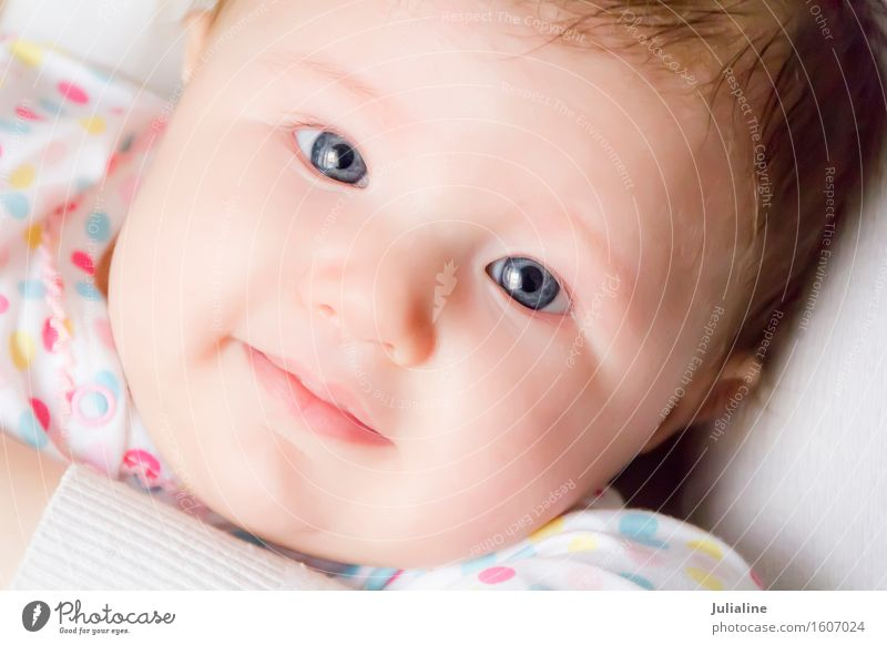 Foto von der schönen niedlichen Neugeborenen Kind Mensch Baby Mädchen Junge Frau Erwachsene 1 0-12 Monate weiß neugeboren zwei eine Jahr erste Kaukasier