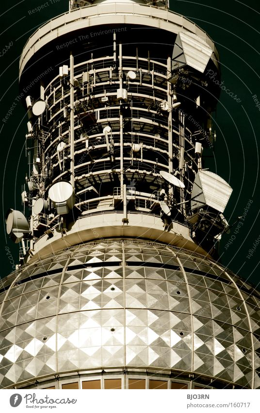 O-S-T-F-U-N-K Medien Antenne Funktechnik Strahlung Radio Fernsehen Turm Detailaufnahme Berlin Berliner Fernsehturm Technik & Technologie Technikfotografie