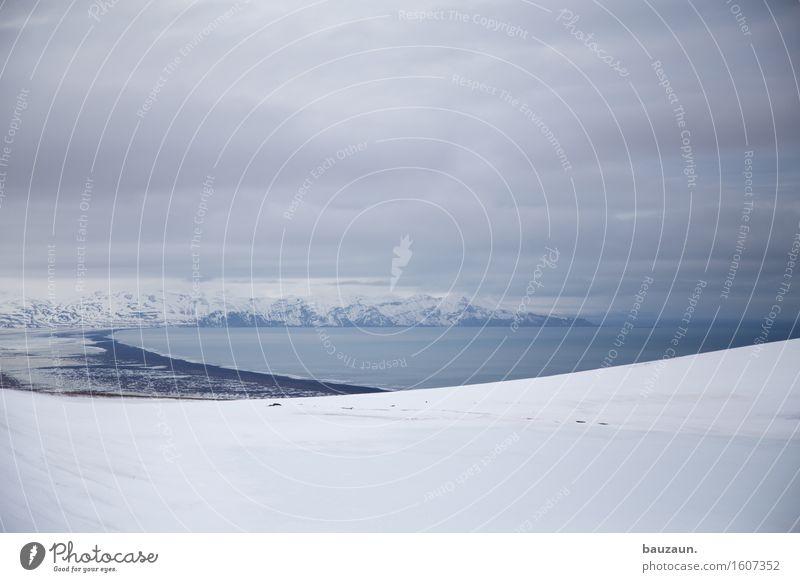 bucht. Natur Ferien & Urlaub & Reisen Wasser Meer Landschaft Wolken Ferne Strand Winter kalt Umwelt Schnee Küste Freiheit Tourismus Wetter