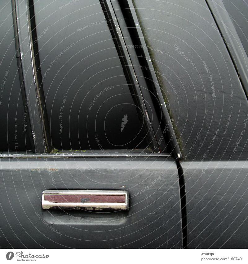 Karre alt schwarz PKW Metall Tür Verkehr Trauer KFZ Güterverkehr & Logistik Sehnsucht außergewöhnlich Verfall Verzweiflung Mobilität Autofahren Fahrzeug