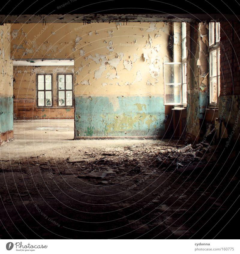 Leere Fenster Raum Örtlichkeit Verfall Leerstand Licht Vergänglichkeit Zeit Leben Erinnerung offen Zerstörung alt Farbe Tapete Unbewohnt verfallen