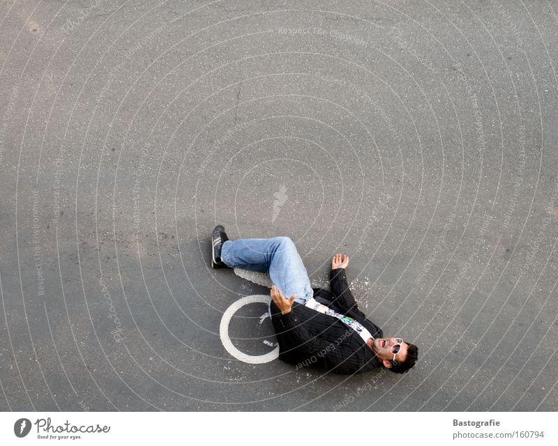 hey! hilf mir mal auf Straße Verkehr Perspektive Sicherheit KFZ Wut Schmerz schreien Verkehrswege Sturz Desaster Unfall Ärger Behinderte Rollstuhl
