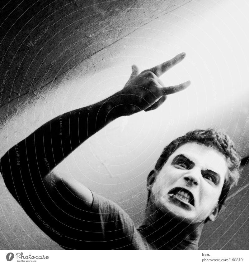 Raise Your Fist Up In The Air Hand Gesicht Gefühle Musik Kraft Arme Elektrizität Körperhaltung Konzert Mensch Wiedervereinigung Krach hören Lautstärke