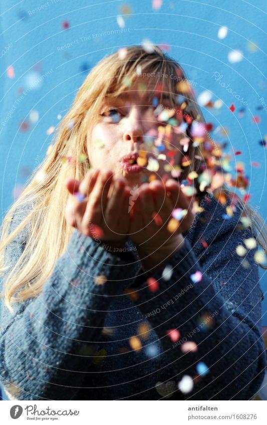 KonfetTina :-) Mensch Frau Hand Freude Gesicht Erwachsene Auge Leben feminin Glück Feste & Feiern Kopf Party Körper blond Geburtstag