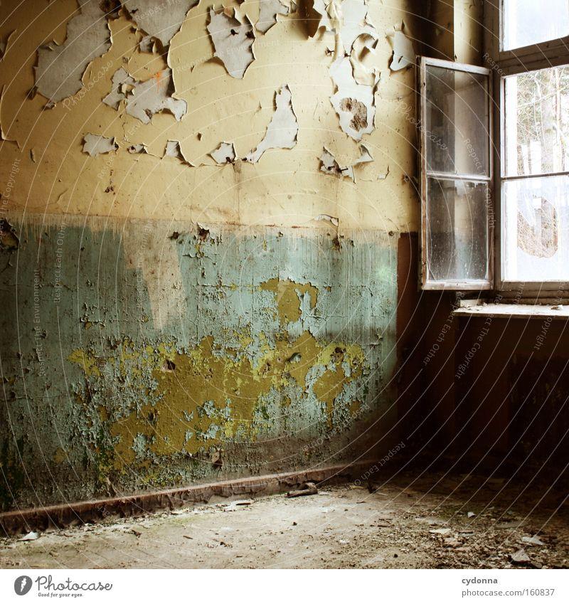 Stimmungswandel Fenster Raum Örtlichkeit Verfall Leerstand Licht Vergänglichkeit Zeit Leben Erinnerung offen Zerstörung alt Farbe Tapete Unbewohnt verfallen
