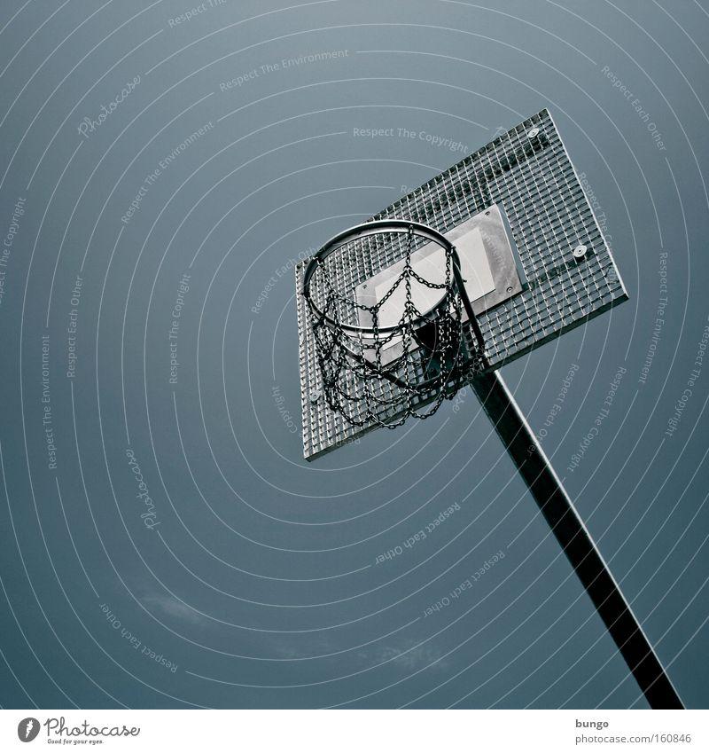 ludus durus Einsamkeit Ferne Sport Spielen hoch trist Korb Basketball Höhe Ghetto Gerüst Basketballkorb Ballsport