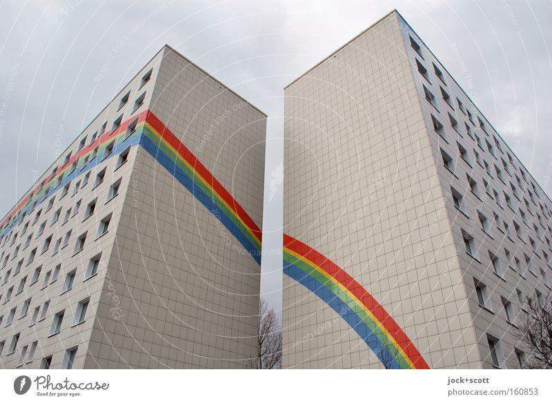 Über dem Regenbogen Himmel Stadt Farbe Baum Haus Winter Architektur Berlin Linie Fassade Häusliches Leben modern ästhetisch Streifen Zeichen fest