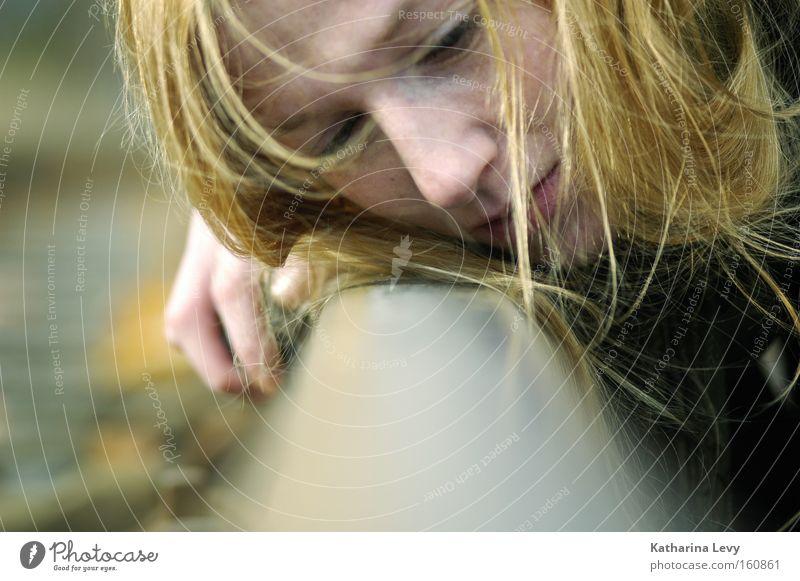 after all Frau Mensch Jugendliche Gesicht feminin Gefühle Haare & Frisuren träumen Traurigkeit Denken Erwachsene Trauer Wandel & Veränderung liegen