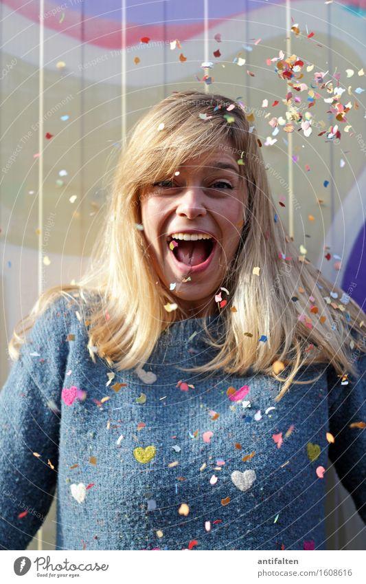 KonfetTina II :-D Mensch Frau Freude Gesicht Erwachsene Auge Leben natürlich Feste & Feiern Haare & Frisuren Kopf Party Frauenbrust Dekoration & Verzierung