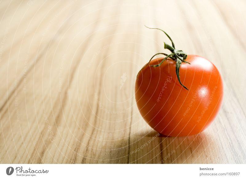 Tomato Tomate rot Gemüse Gesundheit Ernährung Holzplatte Textfreiraum Lebensmittel