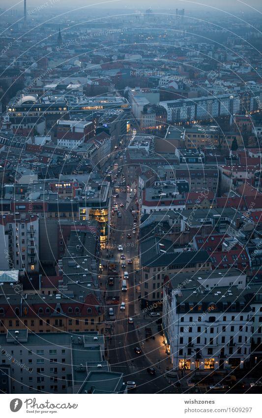 A glimpse of the city kaufen Ferien & Urlaub & Reisen Tourismus Sightseeing Städtereise Nachtleben Baustelle Business Stadt Skyline Verkehr Verkehrswege