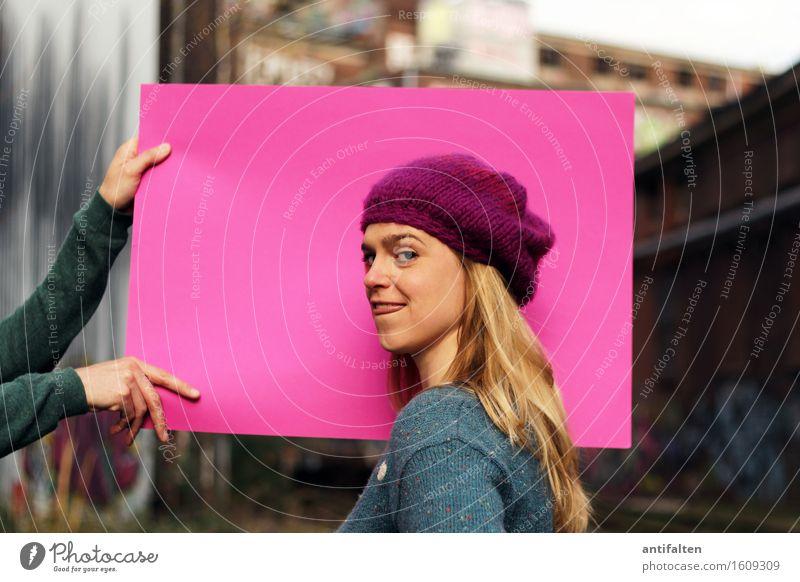 Hintergrundhalter: CL. Mensch feminin Frau Erwachsene Freundschaft Leben Kopf Haare & Frisuren Gesicht Auge Mund Arme Hand Finger Zunge 1 2 30-45 Jahre Graffiti