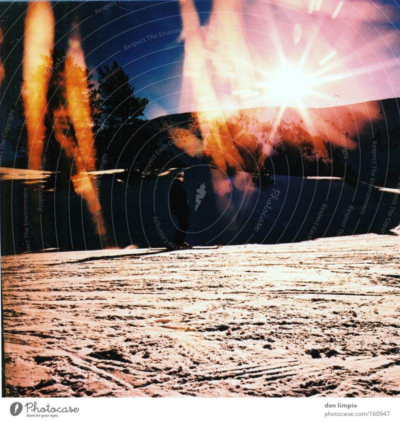 sol i neu Sonne Schnee Berge u. Gebirge Gegenlicht Mittelformat Andorra Cross Processing Farbe analog Winter soldeu lightleak Light leak