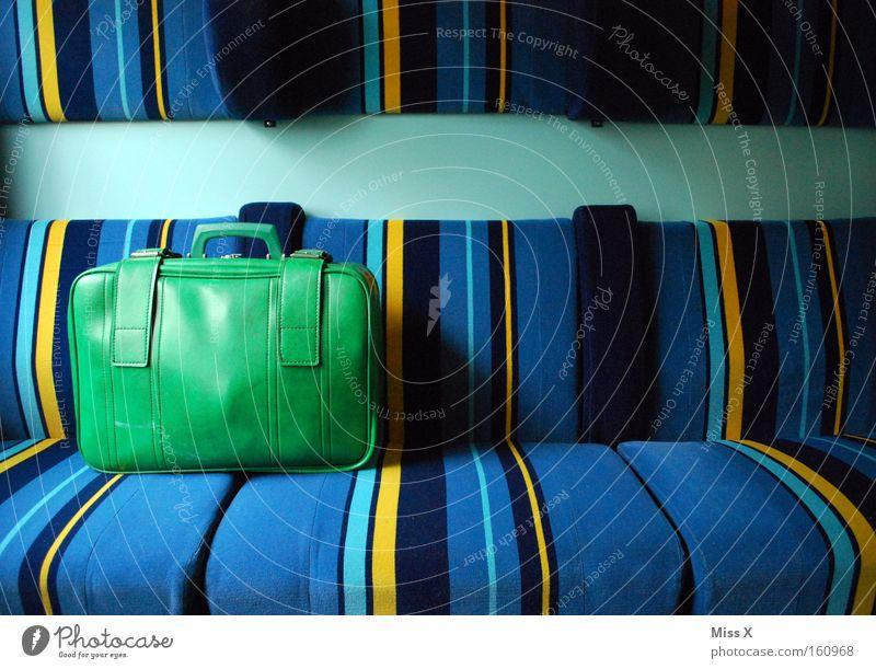 Unterwegs alt grün blau Ferien & Urlaub & Reisen gelb Wege & Pfade Linie Ausflug Verkehr Eisenbahn Streifen Stoff fahren U-Bahn mehrfarbig Bahnhof