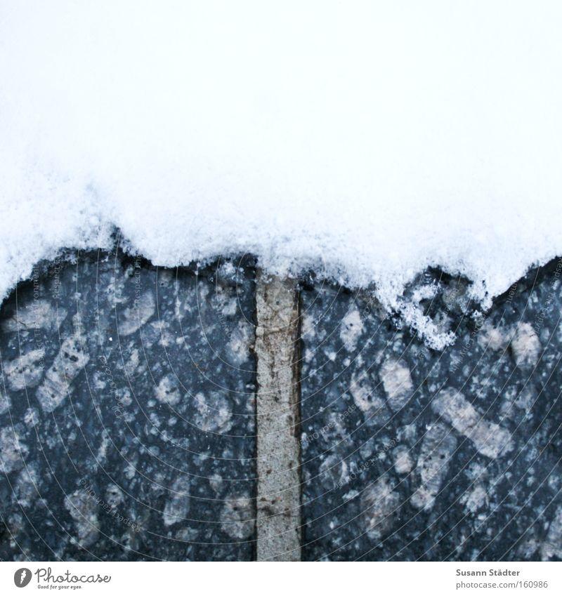 Schneefallgrenze weiß Winter kalt dunkel oben Gras Wege & Pfade Stein hell Wetter Eis nass Schilder & Markierungen Boden Bodenbelag