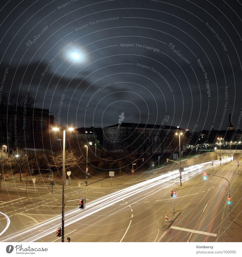 vollmondverkehr Stadt Straße Beleuchtung Verkehr Geschwindigkeit Güterverkehr & Logistik Rennsport Düsseldorf Mond Ampel Straßenbeleuchtung Straßenkreuzung