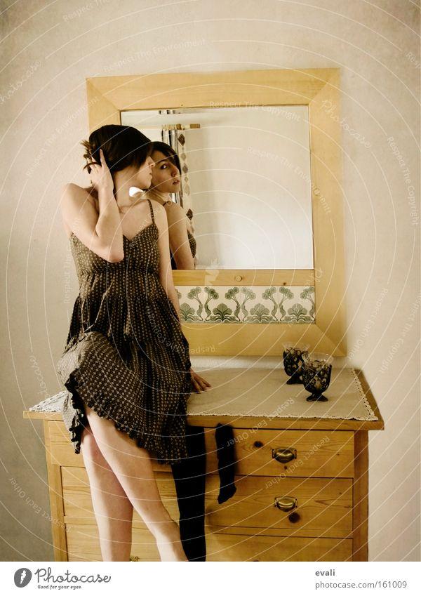 In the mirror Mensch Frau Jugendliche Junge Frau Erwachsene feminin sitzen Bekleidung Kleid Möbel Spiegel Porträt Blick Schrank