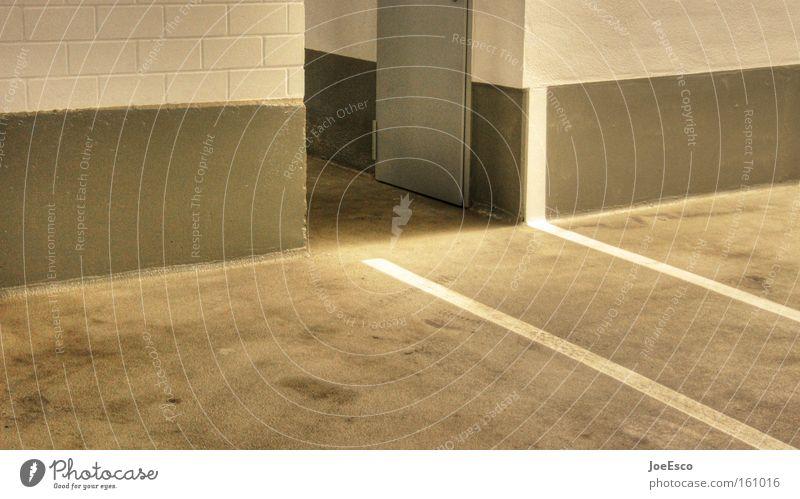 linientreu Stadt dunkel kalt Stil grau Gebäude Linie Tür Schilder & Markierungen Beton Industrie Ecke trist Dynamik Bauwerk Eingang