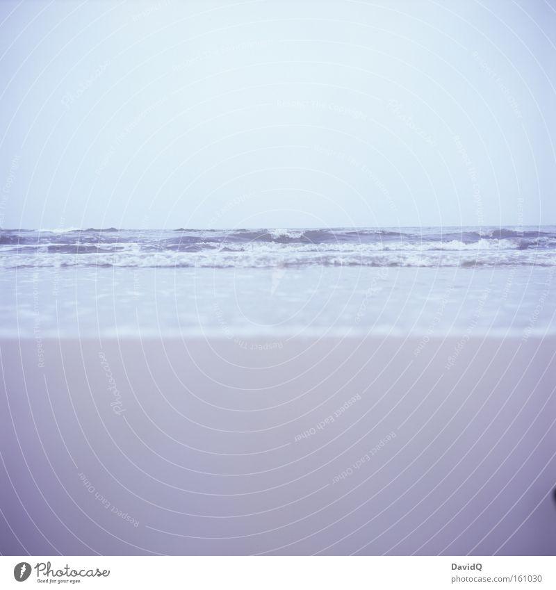 meer als nur strand und himmel Wasser Himmel Meer Strand Ferne See Sand Küste Wellen Horizont tief Ostsee Fernweh sehr wenige