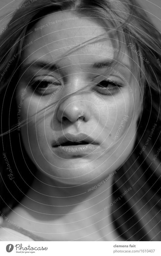 Marie Porträt Schwarzweißfoto Gesicht Haare & Frisuren schwarz Frau Junge Frau schön Mädchen