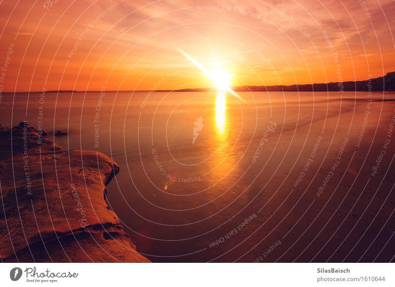 Sonnenaufgang im Paradies III Natur Ferien & Urlaub & Reisen Sommer Meer Landschaft Wolken Ferne Strand Freiheit Schwimmen & Baden Felsen Tourismus Wellen