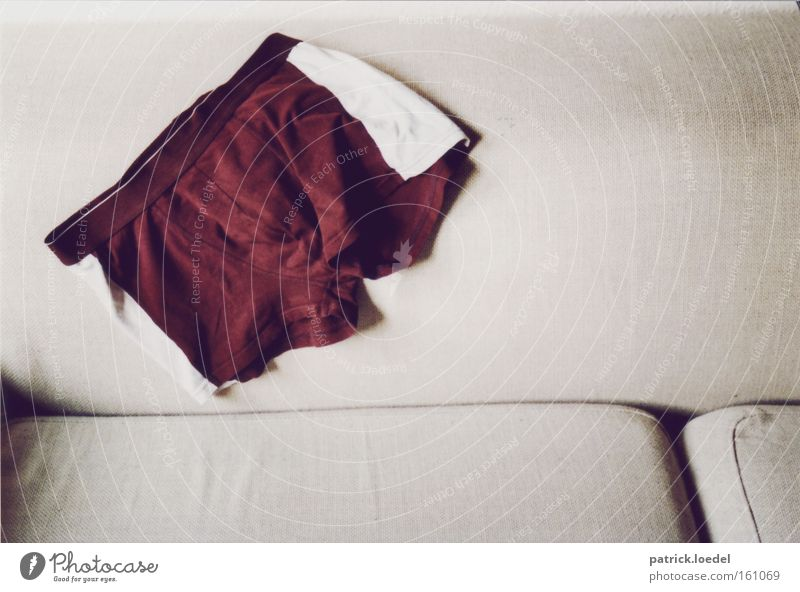 Männer Mann rot Freude Erwachsene grau Mode maskulin außergewöhnlich authentisch Streifen Bekleidung Stoff Sofa Wohnzimmer Unterwäsche Shorts