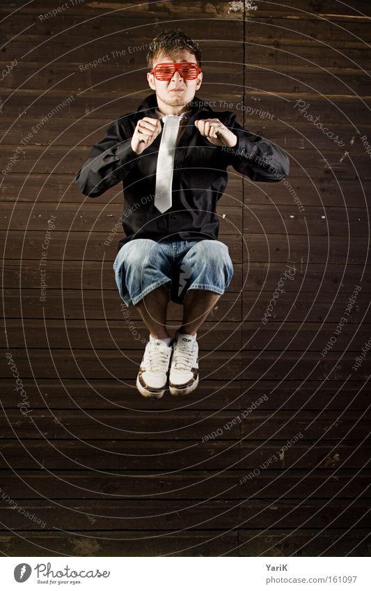 kack die wand an Wand Mann springen fliegen sitzen Brille Toilette Konzentration Schweben Krawatte drücken Holzwand defäkieren