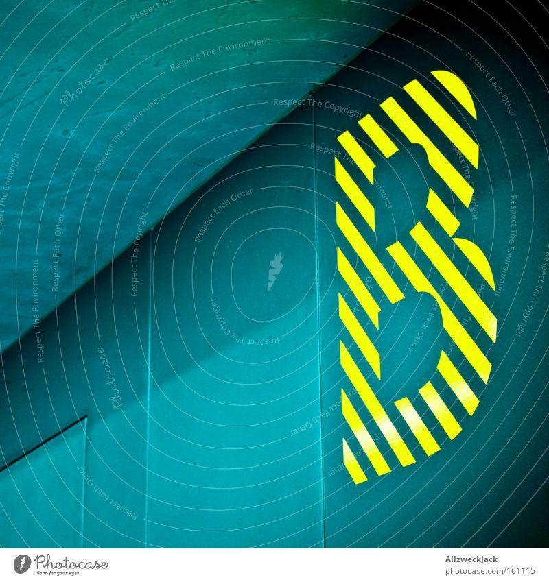 """dickes """"B"""" blau gelb Berlin Schriftzeichen Bildung Buchstaben Typographie gestreift Symbole & Metaphern Lateinisches Alphabet Großbuchstabe Baseballmütze"""