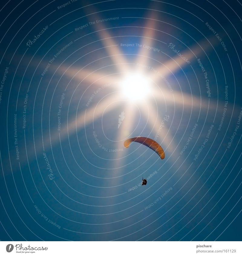 Der Flug des Ikarus... Himmel blau Sommer Sonne Sport Wärme Freiheit fliegen Freizeit & Hobby Gleitschirmfliegen Fallschirm Flugsportarten