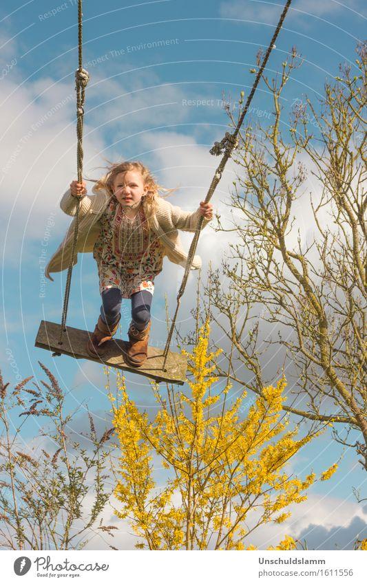 Winter kenn ich nicht.... Freizeit & Hobby Spielen Kinderspiel Mensch Mädchen Kindheit Leben 3-8 Jahre Himmel Wolken Frühling Sträucher fliegen schaukeln frech