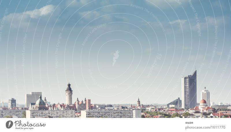Urbaner Raum Himmel blau Stadt Architektur Umwelt Gebäude Business Arbeit & Erwerbstätigkeit modern Hochhaus Energiewirtschaft hoch Studium Bauwerk Skyline