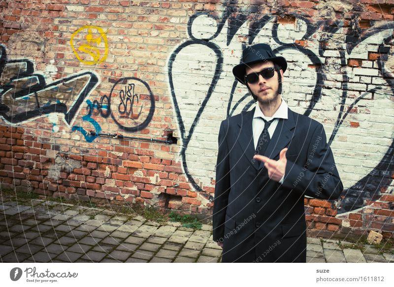 Mr. Bombastic Musik Karneval Business Mensch maskulin Mann Erwachsene Freundschaft Schauspieler Kino Filmindustrie Video Anzug Sonnenbrille Hut Bekanntheit